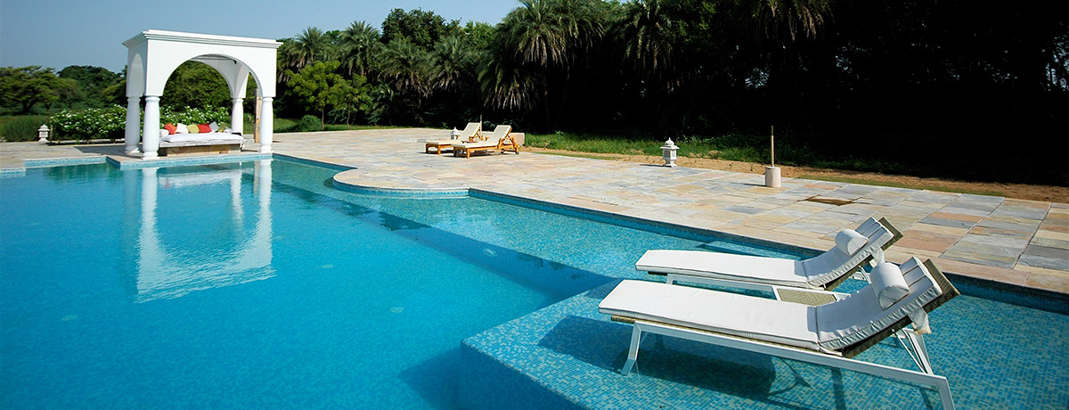 Poolside-at-Shahpura-Bagh-Rajasthan